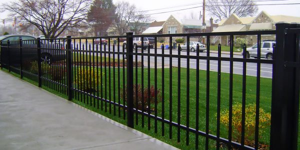 black picketed aluminum fence